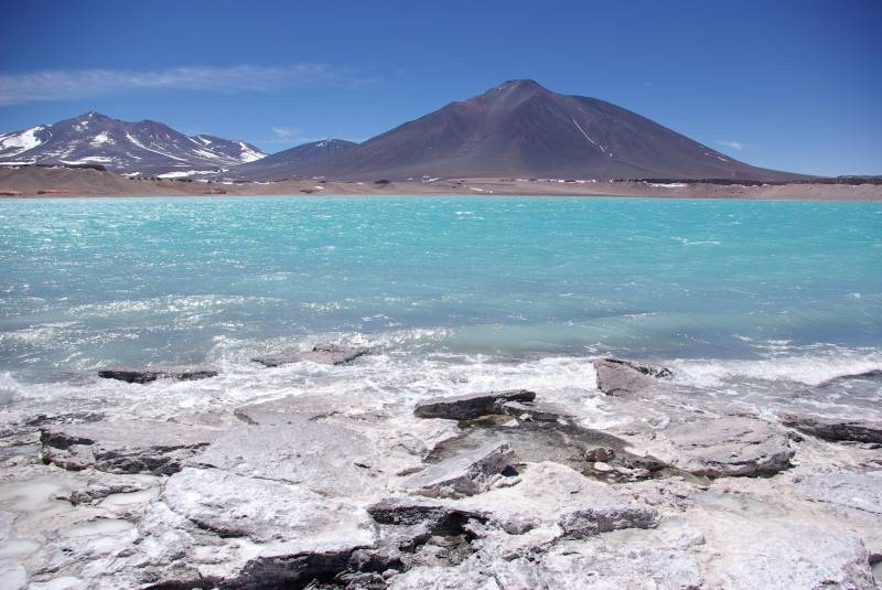 Laguna Verde at 4500m altitude.