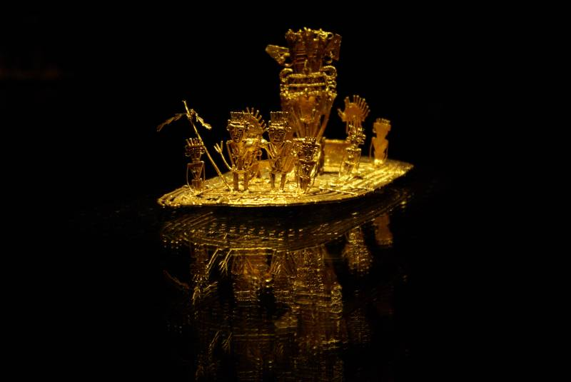 El Dorado raft in the Bogota gold museum.