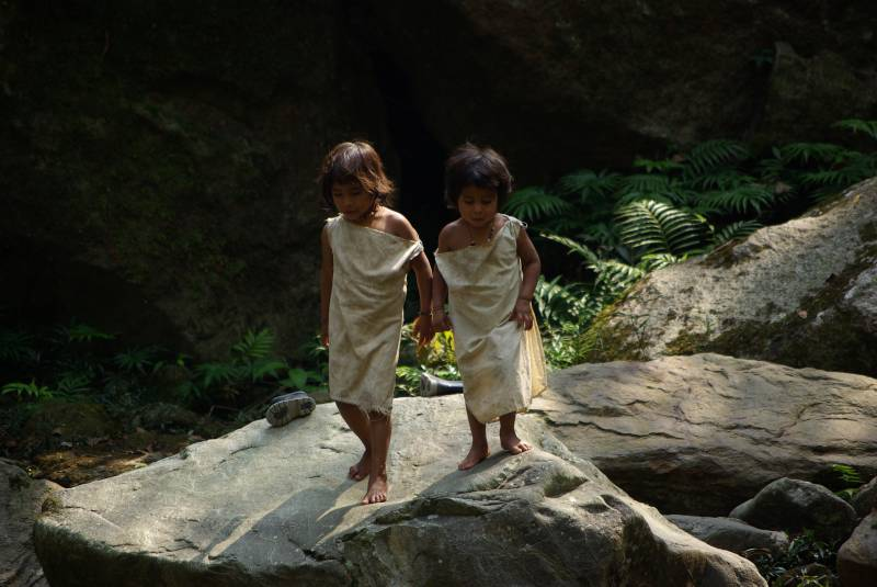 Kogi children by the river.